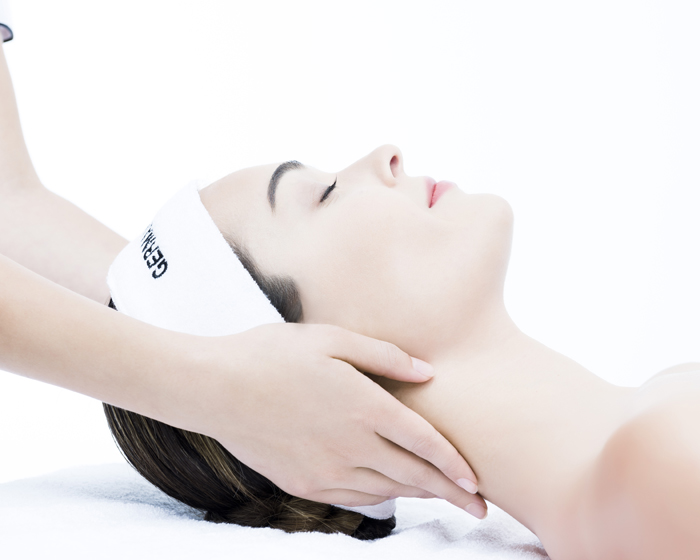 The treatments are designed to restore and soothe the mind, body and soul, and use two varieties of holistic obsidiana stones