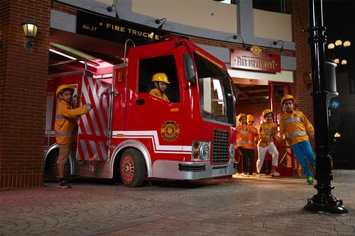 Children can play the role of more than 60 professions, including fireman / KidZania