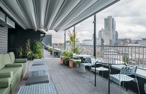 The rooftop at the Ace Hotel, London / Universal Design Studio
