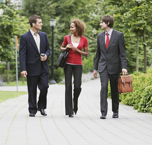 Letting employees hold work meetings outdoors can help combat stress / PHOTO: WWW/SHUTTERSTOCK.COM/ BIKERIDERLONDON