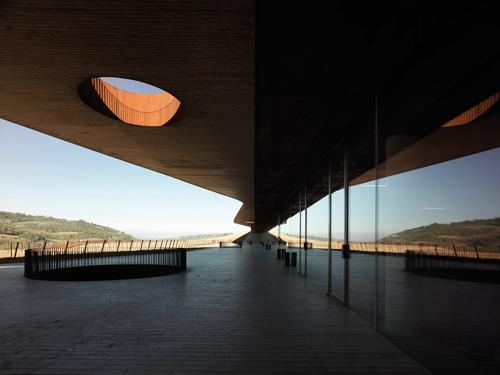An auditorium, museum, library and wine tasting areas all feature at the Antinori Winery in Italy / Pietro Savorelli