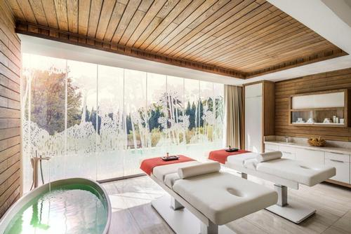 The spa at first Four Seasons site in South Africa launches