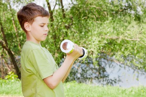 Researchers randomly selected 102 children between the ages of 10 and 14 / Shutterstock.com/PavelL