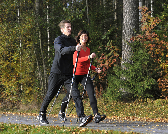 Exercise through walking with the BungyPump training pole