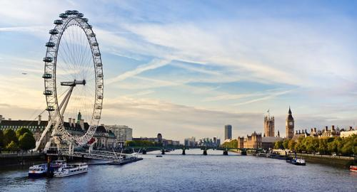 Tourism hubs such as London could suffer if the UK votes to leave the EU / Shutterstock.com