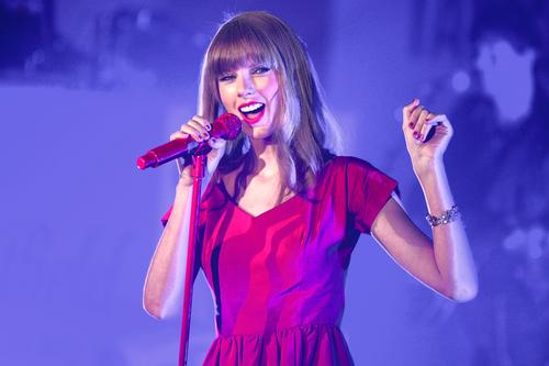 Taylor Swift gets dedicated exhibition at Grammy Museum