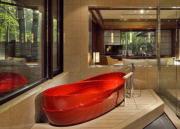 Hashimoto has used traditional Japanese materials but in an unusual way, such as the red lacquer used in the bathtub