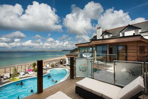 C Bay Spa offers plenty of opportunities to enjoy the view