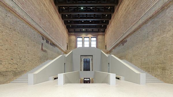 A new stairway forms the focal point of the Neues Museum's central hall