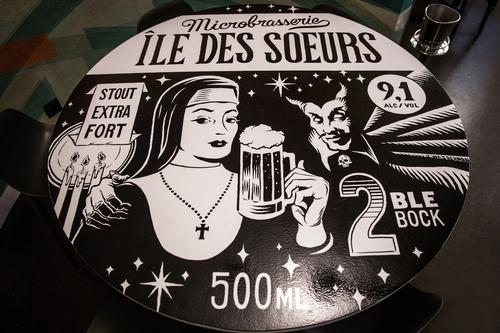 One table booth depicts a fictional Montreal beer / Patricia Brochu