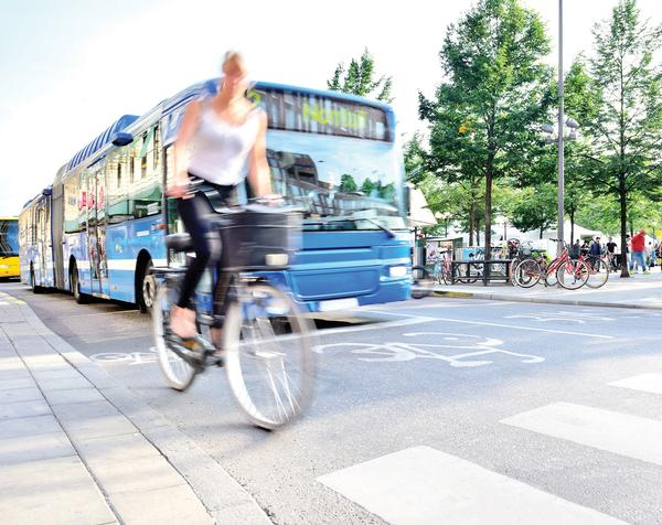 The alarm time varies depending on the weather forecast, allowing for active travel where possible
