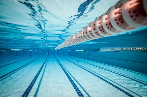 Of the nine million English adults currently unable to swim, approximately 2.13 million adults have a desire to learn / Shutterstock.com