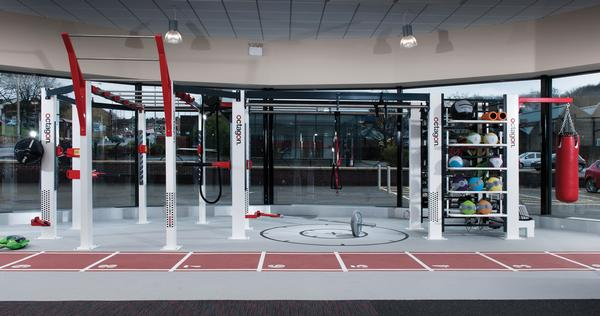 The frame is versatile and can be set up in many different training configurations
