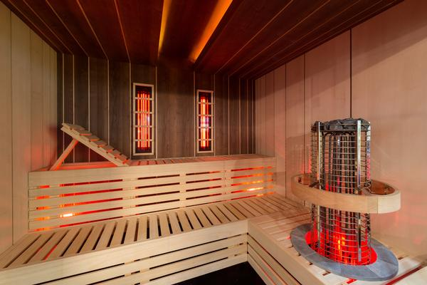 The Combi sauna can be easily switched over from traditional to infrared heat