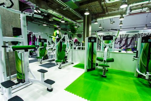 Alongside the gym and functional training area, additional facilities include a 45-bike Schwinn cycling studio and a 180sq m aerobics studio