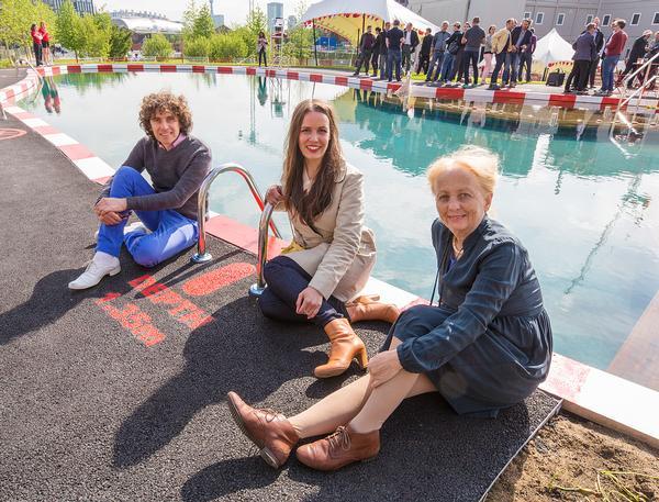 Ooze Architects – Eva Pfannes (centre), Sylvain Hartenberg (left) and artist Marjetica Potrc? (right)