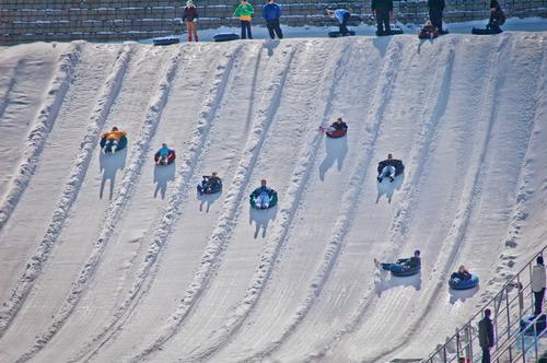 Cincinnati waterpark adds Snow Tubing to winter offering