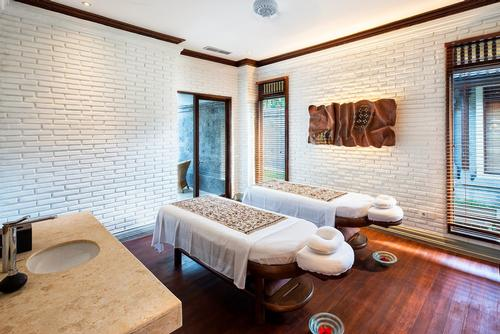 Each of the pool spa villas at the Ubud resort include private treatment facilities / GHM