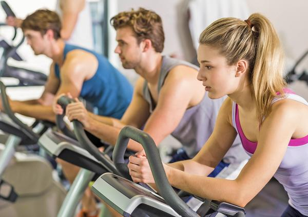 Low cost gym operators are helping more people get active, says Treharne / © shutterstock/wavebreakmedia