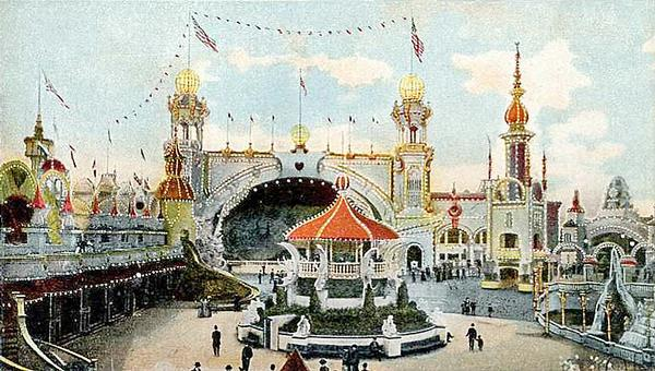 Early attractions like Coney Island, Luna Park and Disneyland had immersive experiences