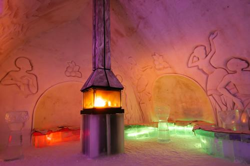 Lighting effects combine with the ice and snow to create an immersive experience for guests / © Renaud Philippe