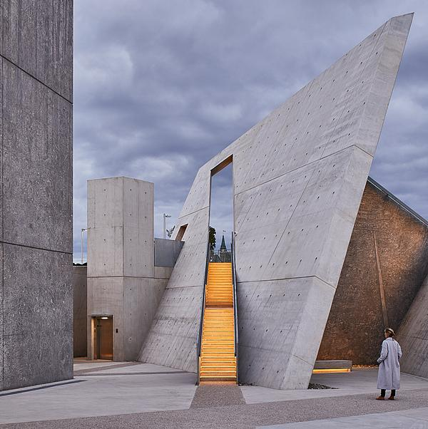 The National Holocaust Monument Image / Doublespace Photography