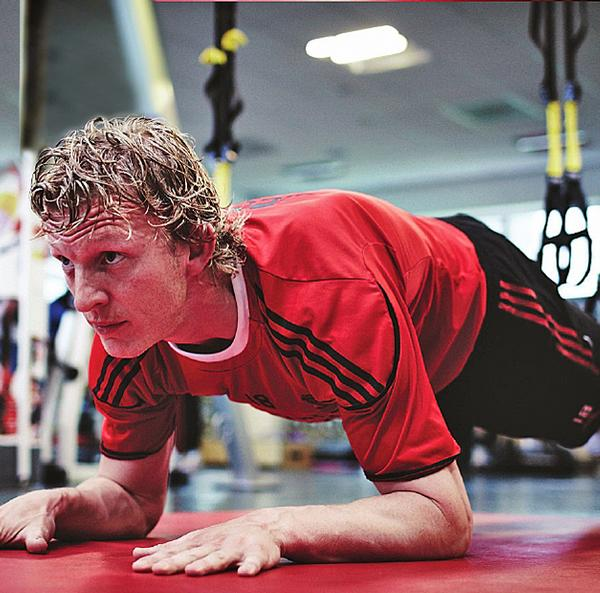 Liverpool FC and Manchester City players use TRX equipment