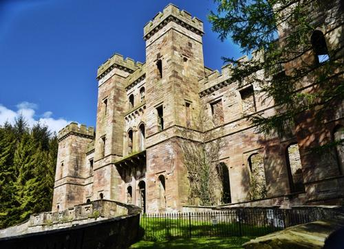 Loudoun Castle set to be turned into luxury holiday destination