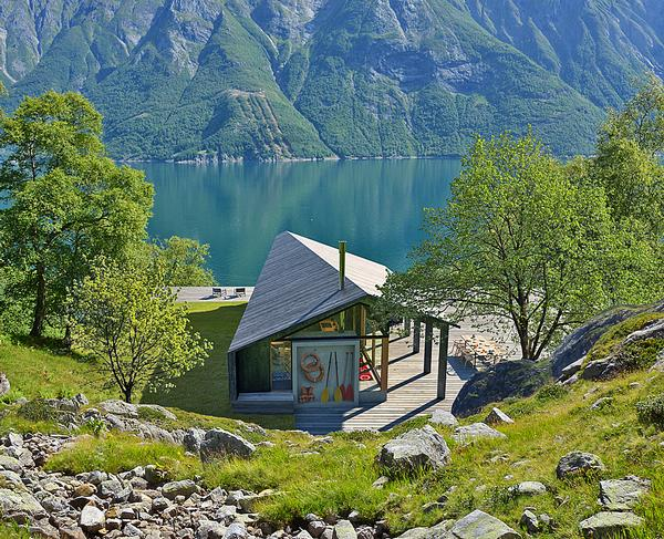 Snøhetta's focus was on making the cabin adaptable to different terrains