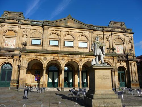 York Art Gallery wants to charge local residents and tourists an entrance fee when it reopens this week / Flickr.com/YorkArtGallery