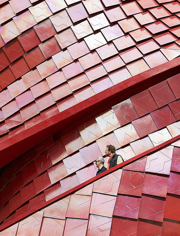 The pavilion's ceramic red tiles have sustainable self-cleaning and air purification properties / VANKE PAVIION PHOTOS © HUFTON + CROW
