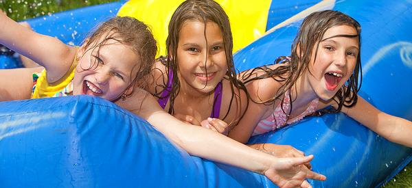 "Dave Candler proposes building more ""fun pools"" to attract families and kids / © shutterstock/atikinka"