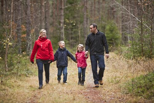 The report suggests that regularly walking could save 37,000 lives each year / Shutterstock