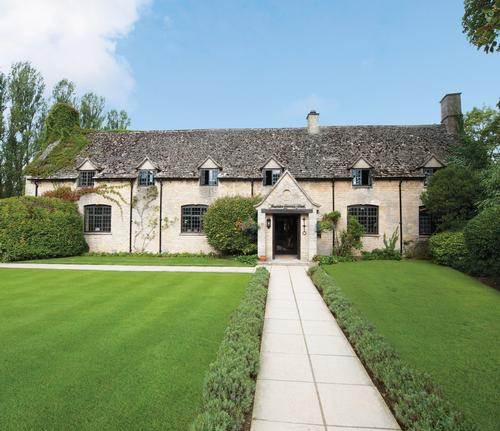 The de Savarays are building a £1m (US$1.5m, €1.3m) spa at The Old Swan & Minster Mill in the picturesque Cotswolds / The Old Swan & Minster Mill