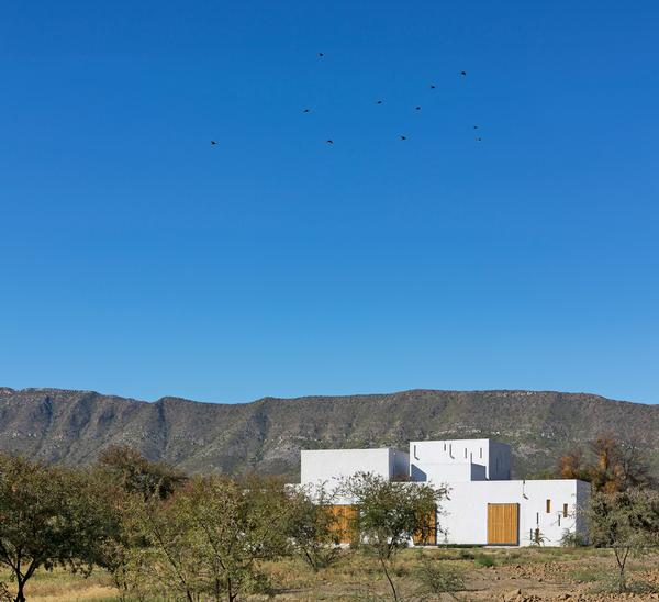 The Swartberg House was designed by Jennifer Beningfield, founder of Openstudio Architects, for her family