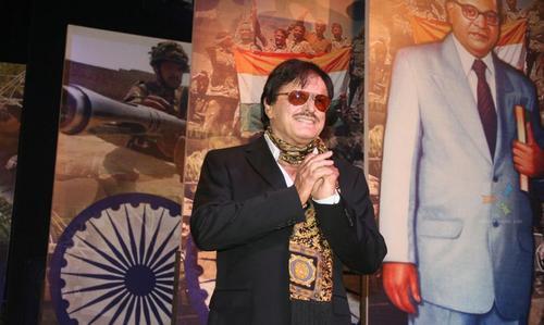 Sanjay Khan is a legendary director and Bollywood actor