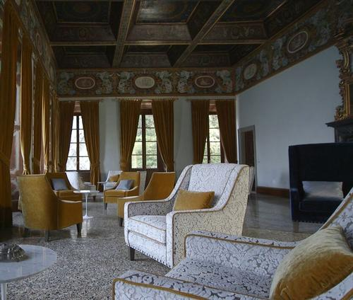 Sereno Hotels has once again partnered with Milan-based designer Patricia Urquiola – who is also working on Il Sereno – to redesign Villa Pliniana's interiors