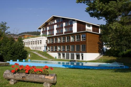 Swiss hospitality school offers spa and health management course in partnership with ESPA