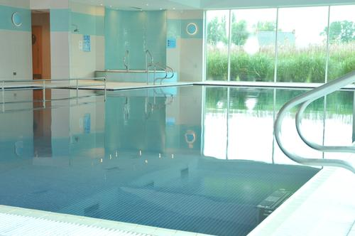 The Quad health club and spa looks out onto the property's lake / Crowne Plaza Hotel Marlow