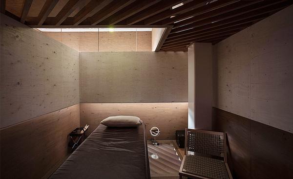 The spa features four private rooms / Sayaka Hoshi / Syunichiro Sano