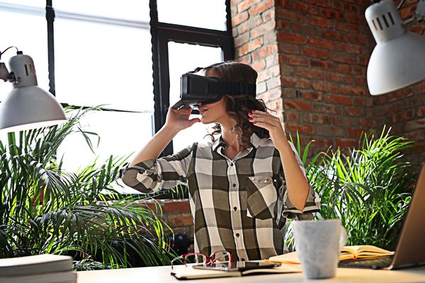 VR will allow people to experience a new facility before it's even been built / PHOTOS: shutterstock.com