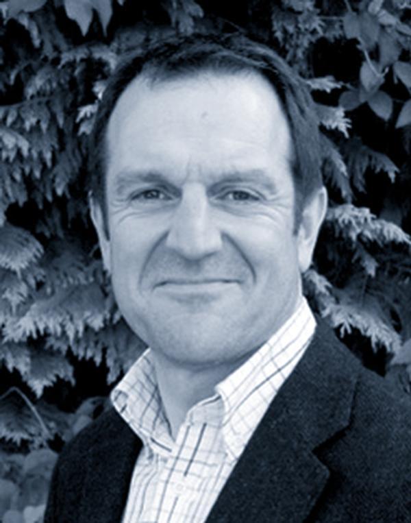 Dr Melvyn Hillsdon