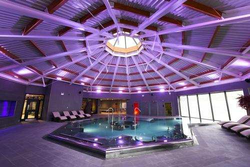 Supplied by Penguin pools, the thermal suite includes a herbal sauna, Himalayan salt and aroma steamrooms, a tepidarium and a sunken amphitheatre sauna / Ramside Hall Hotel