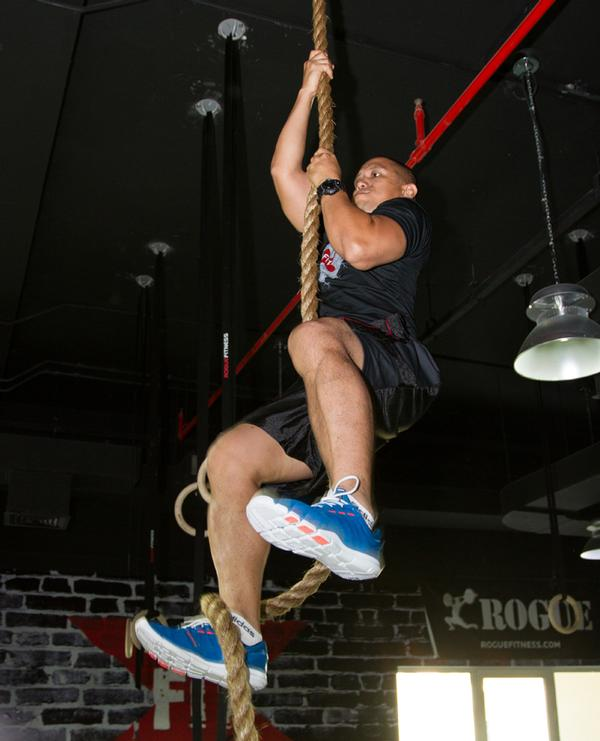 The Xfit boxes have no mirrors or TV screens to distract people from training