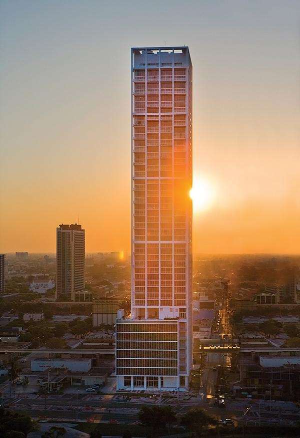 Ten Museum Park in Miami, Florida, an exclusive fifty-storey apartment block / PHOTO: LAZIZ HAMANI