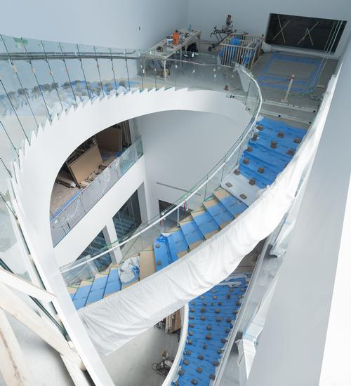 A large spiralling staircase will link the pavilion's floors / Iwan Baan