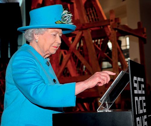 Queen launches Science Museum gallery