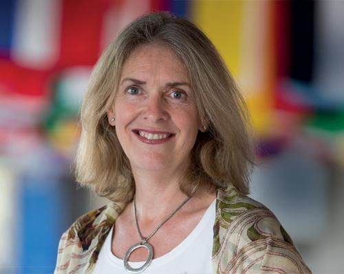 Dr Fiona Bull