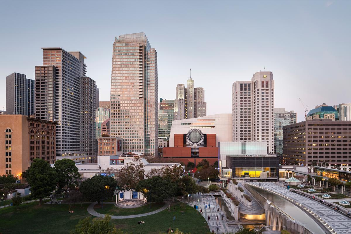 The extensions has been added to Mario Botti's 1995 original building / SFMOMA