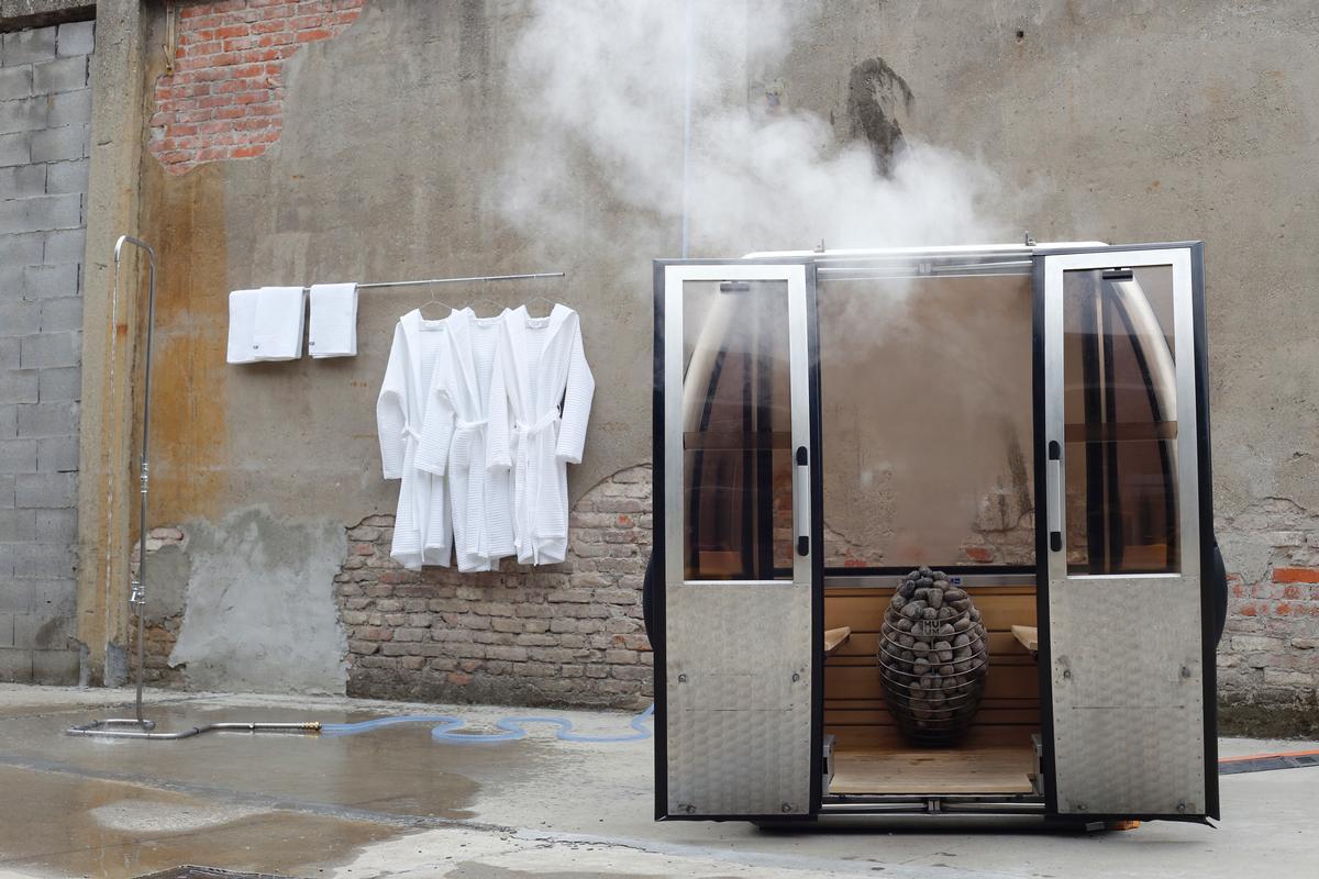 The Saunagondel is created from the frame of a ski lift cabin / Saunagondel